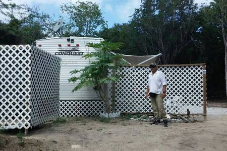 Culebra Flamenco Beach Camper-pref long term $50nt - Culebra - Karavan/RV