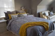 Relaxing bedroom suite