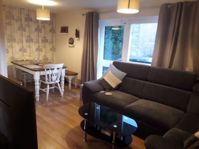 Homely 1 bed flat in the heart of Moseley