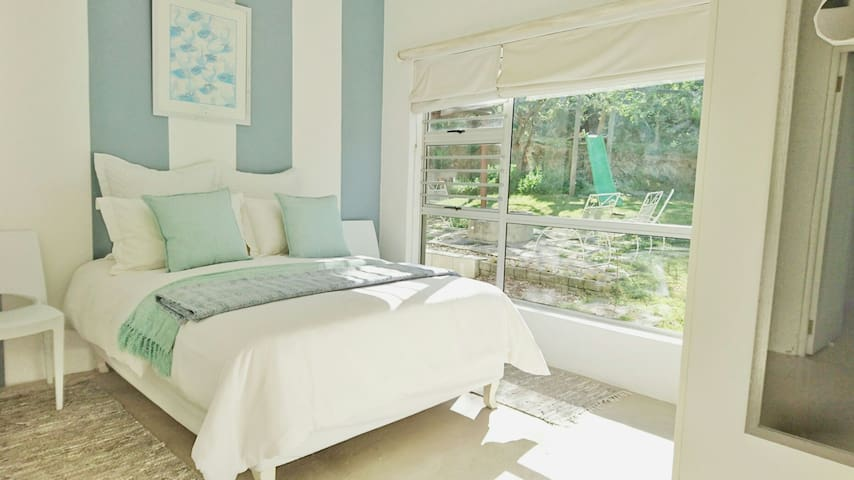 Cozy Bedroom & Mountain view - Swellendam - Casa