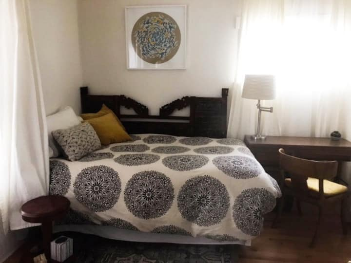 Great Private Room in Uptown Downtown Vancouver