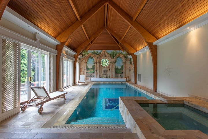 Luxury retreat with extensive leisure facilities