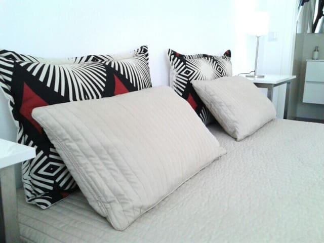 QUIET PRIVATE ROOM 1-in quiet Villa