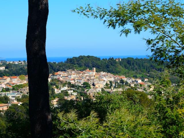 T2 vue mer, Alpes & village Biot - Biot