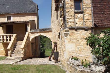 Gites chambre des 3 vallée - Salignac-Eyvigues