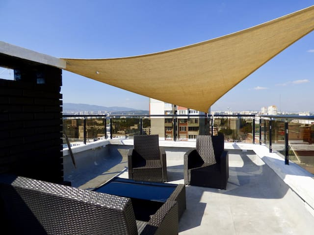 Best Rooftop-Maisonette in Sofia with Jacuzzi&View