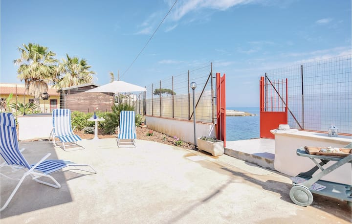 Holiday cottage with 2 bedrooms on 70m² in San Nicola L`Arena
