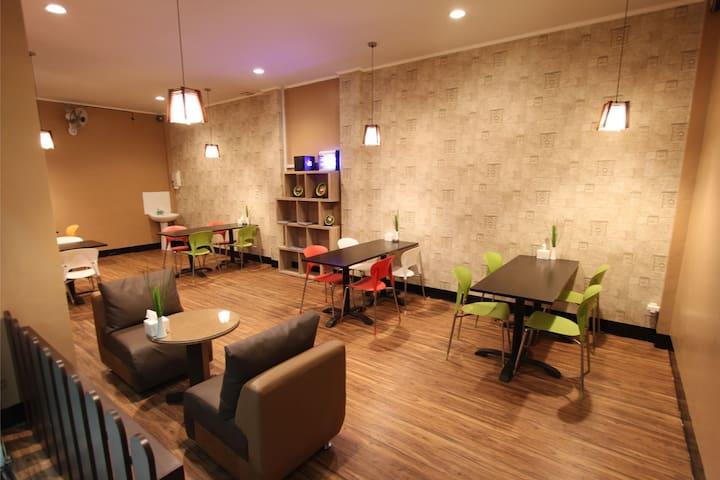 Maktal Hotel Mataram for Superior Room - Cakranegara - Aamiaismajoitus