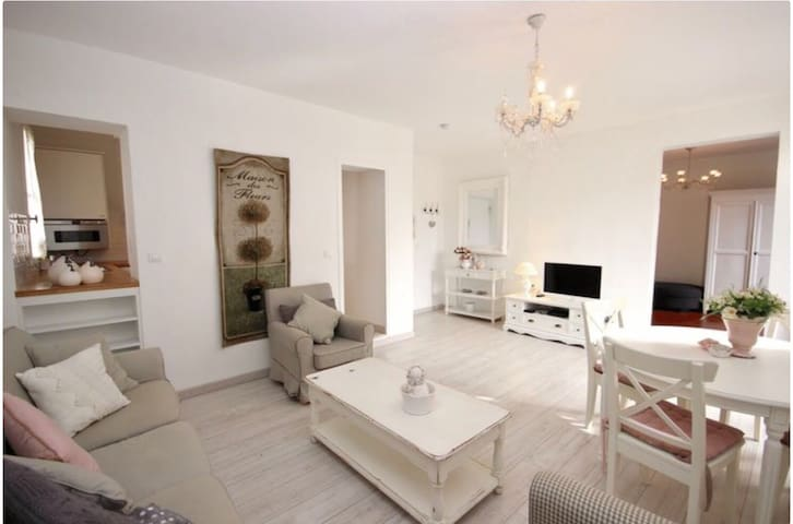 Airbnb Lisle Sur La Sorgue Vacation Rentals Places