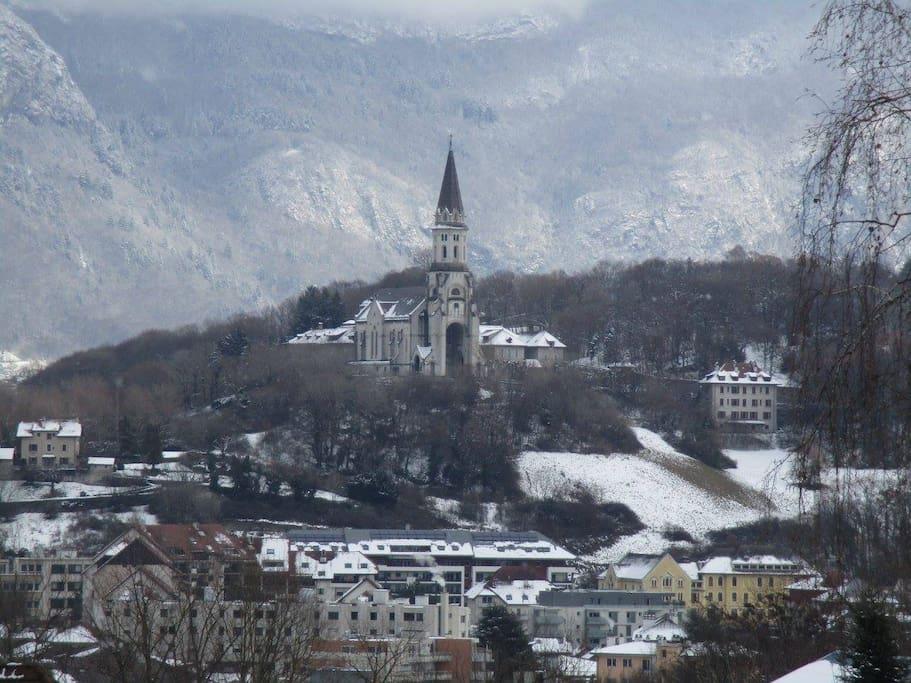 La basilique de la Visitation sous la neige
