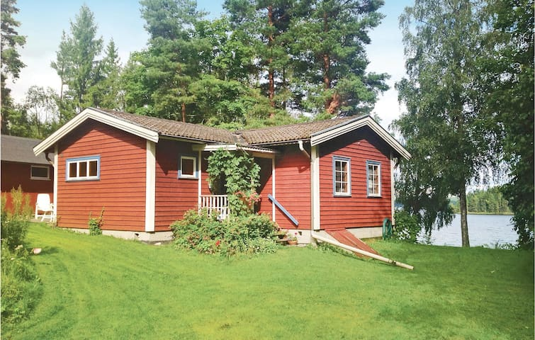 Holiday cottage with 3 bedrooms on 67 m² in Klässbol
