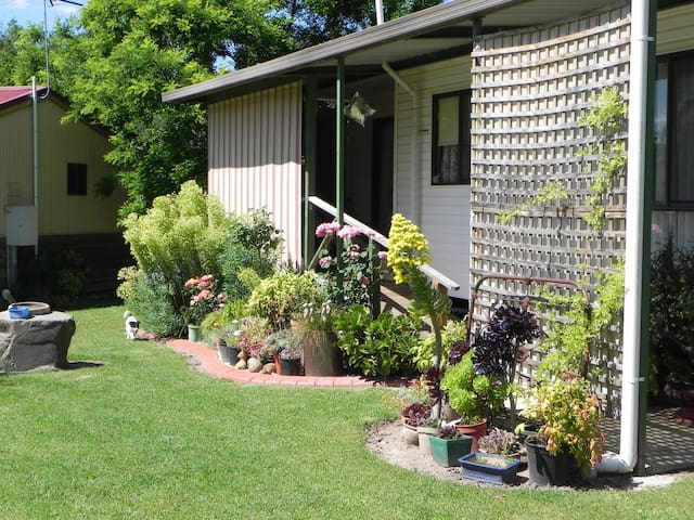 Farm stay, family  and pet friendly