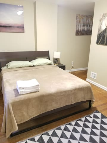 Cute 1 Bedroom Apt--Heart of Center City