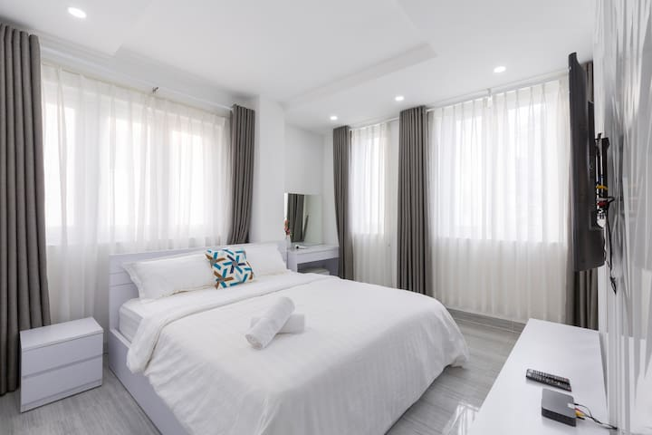 New! Bright Apt - Clean- Near Central HCMC