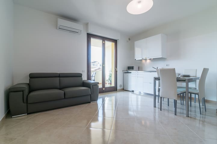 Beautiful apartment with terrace and car park - Cagliari - Apartamento