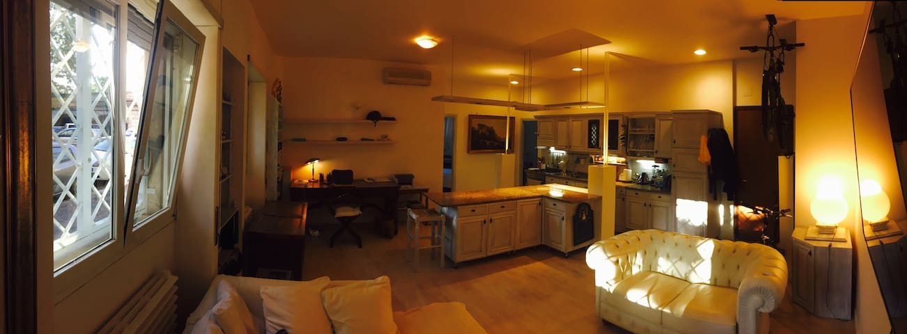 Trastevere Apt ovelooking the River. - Roma - Apartment