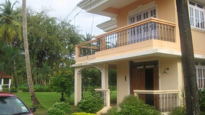 Unique Villa serene and quiet green abode