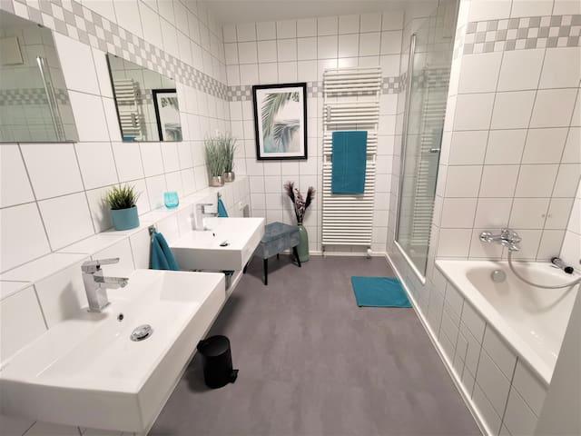 Stylisches neu renoviertes Zimmer542, Fußweg Wiesn