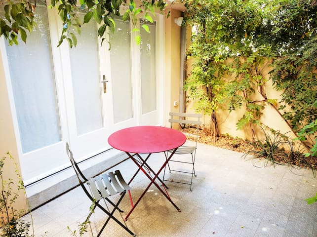 los 20 mejores alojamientos vacacionales en tel aviv-yafo - airbnb ... - Meuble Cuisine Vintage/2016 10 13t00:00:39z