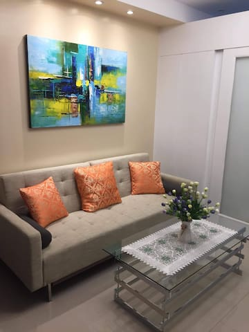 A brand new renovated condo! Shell Residence.
