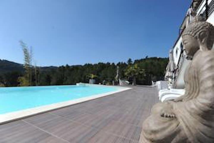 Villa luxueuse vue mer