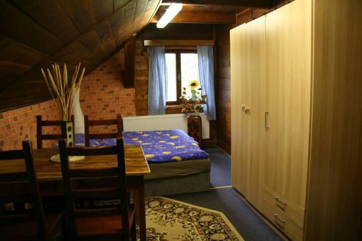 pokoj v příjemné chatě s farmičkou pro děti - Vítkovice