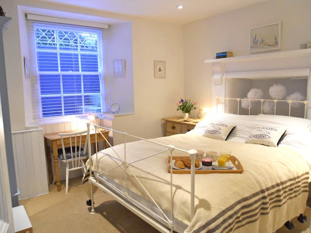 Luxury flat in centre of Penzance with parking - Penzance - Pis