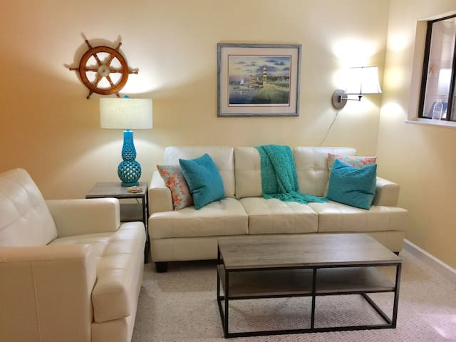 Hilton Head Beach, Golf & Relaxation 2BR 2BA - Hilton Head Island - Condominium