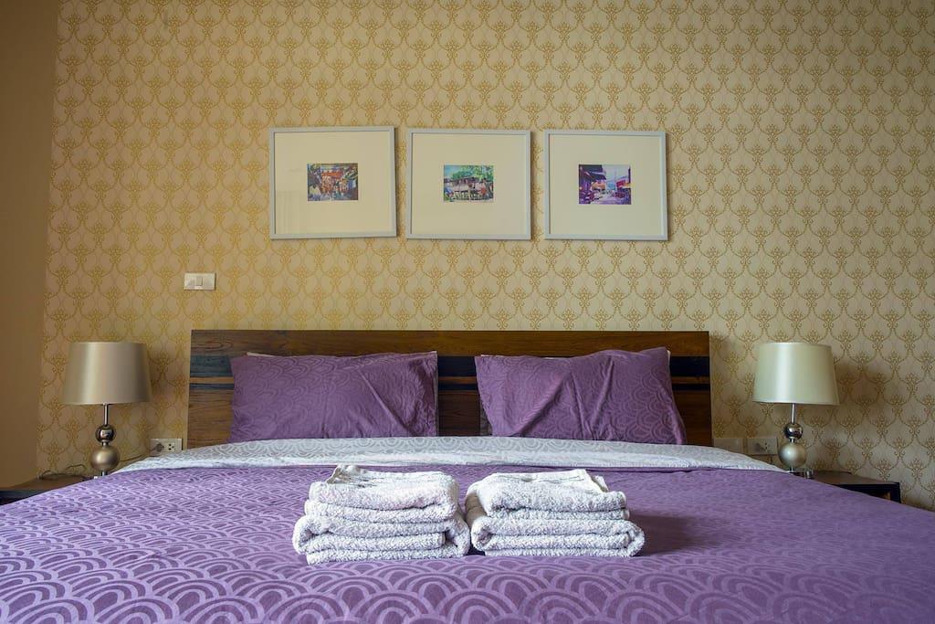 Luxury linens in contrast hue