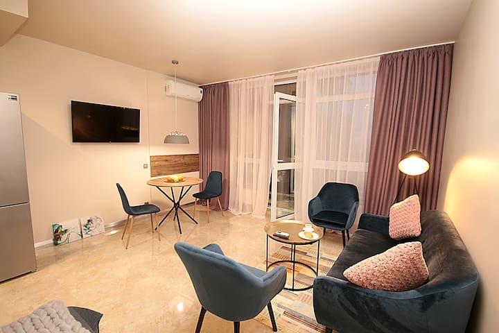 Дизайнерские апартаменты(1), ул. Предславинская 53