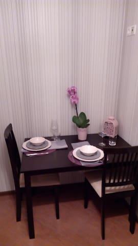 Небольшая,красивая,уютная квартира - Korolev