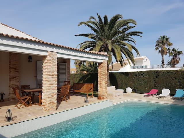 Villa en Los Balcones. Torrevieja - Torrevieja - Villa