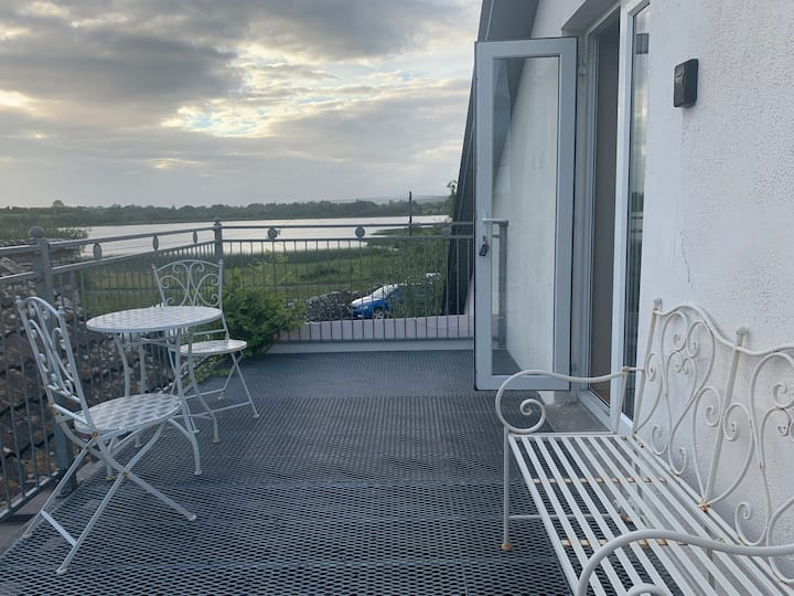 Lakeside Apartment Carrick on Shannon Selfcatering