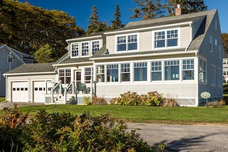 Classic Coastal Ocean Point House - Boothbay - Talo