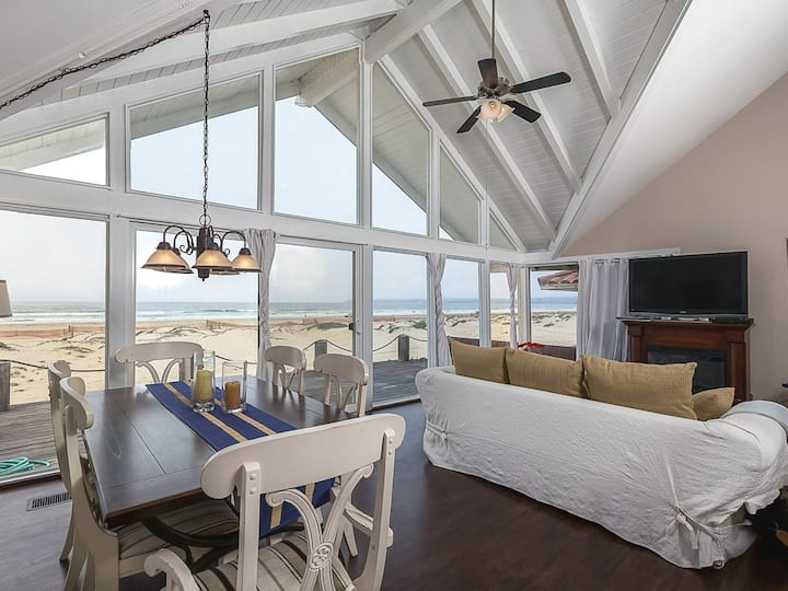 3BD/3BA OCEANFRONT HOME w/PRIVATE GUESTHOUSE