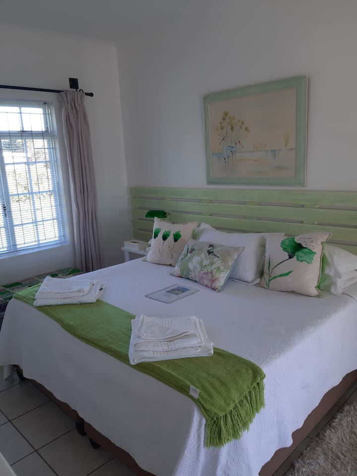 Franmarel Guest House - Green Room