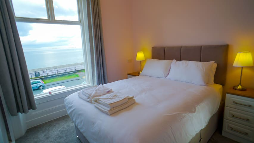 Carmel House Sea View with King Size Bed