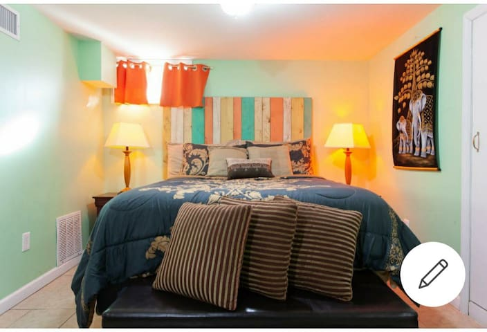 Exquisite and Stylish Studio apt Elmont NY/ JFK
