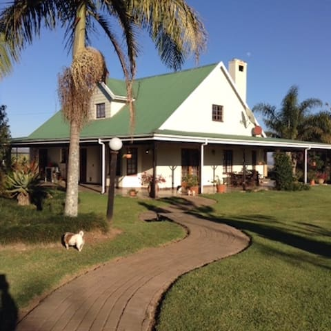 Luxury self-catering house in the KZN Midlands - Hilton - Rumah