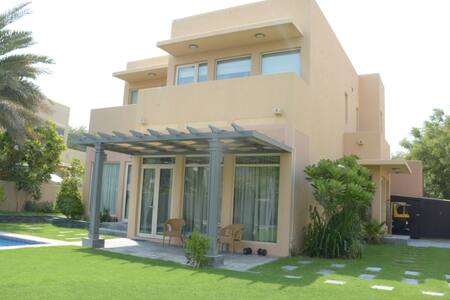Stunning Villa in Arabian Ranches with pool - ドバイ