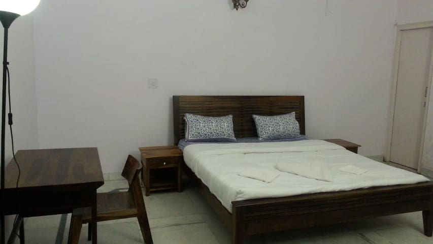 Super Deluxe Room, Isec Guest House. Greater Noida