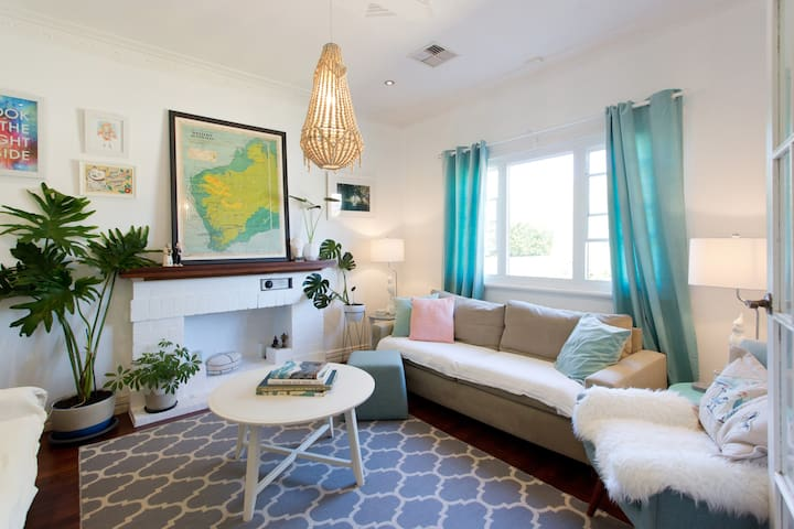 Classic Cottage in the heart of East Fremantle - East Fremantle - Maison