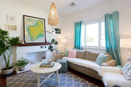Classic Cottage in the heart of East Fremantle - East Fremantle - Dům