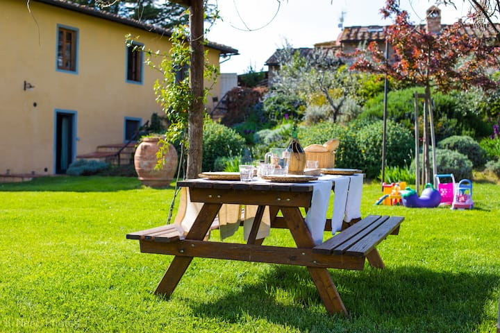 casa con giardino 18 km da Firenze (Mughetto)