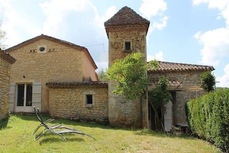 Moulin dans le Périgord - Sauveterre-la-Lémance - Casa