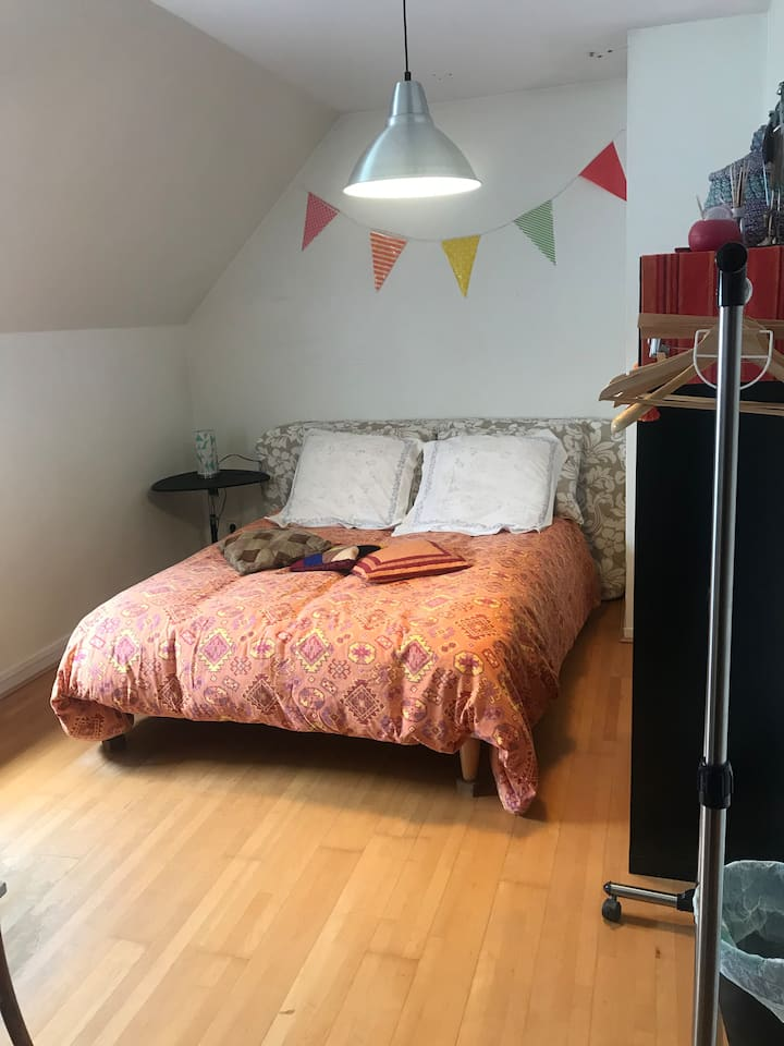 Chambre I, 15m2, proche Paris (12')/Single room
