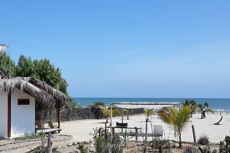 Beach house AMELANI en Huacura