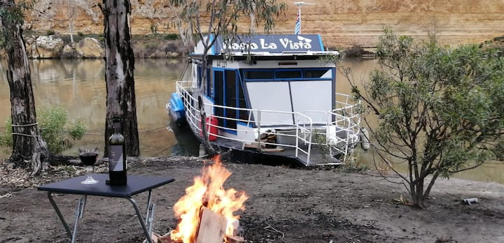 River cruiser for hire Mannum, South Australia