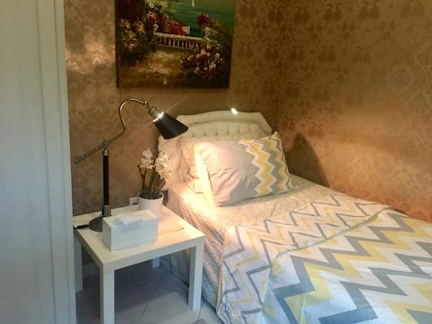 Small  & stylish  room with attached bath in Dubai