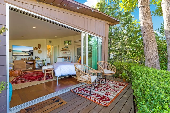 Hilltop Boho Bungalow w/ Views!